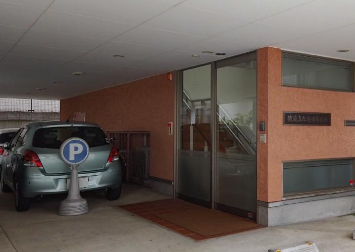 1階駐車スペース